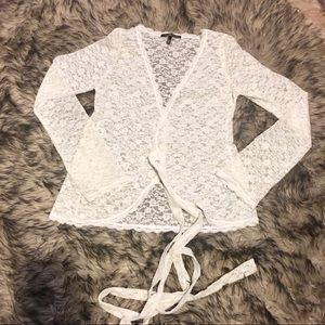 RARE Victoria's Secret lace wrap topper M cream